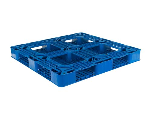 Bottom of the LogisticX 11-11 lightweight plastic export pallet.