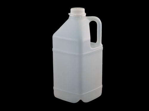 Square Flagon 4L with 5813 cap.