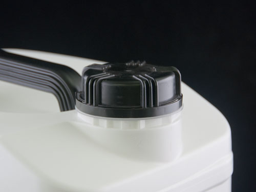 Closeup of 63.5mm Cap on Universal Jerry can 10L