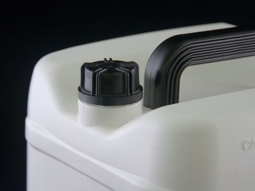 Closeup of 33mm Cap on Universal Jerry can 10L
