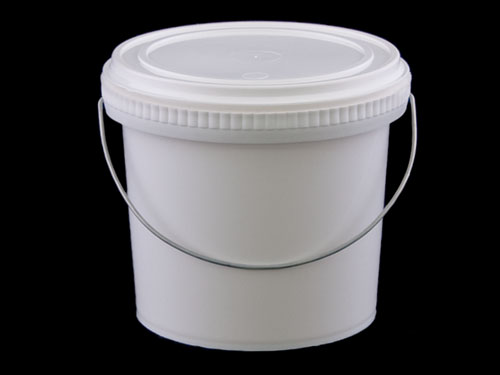Closeup of Pry Off Pail 2L with 6818 Lid