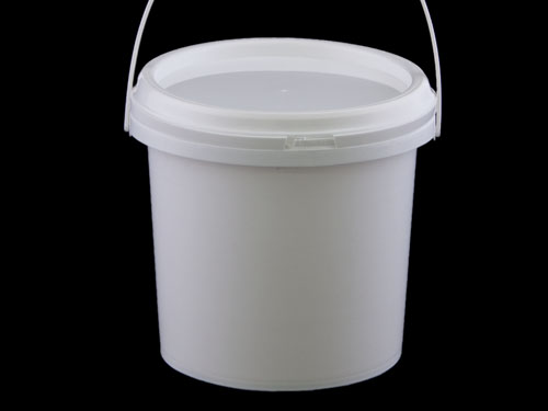 Closeup of Top Pail 4L with 6826 Lid